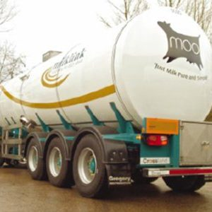Moo milk tanker with a custom dome end